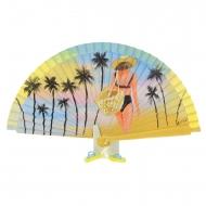 Leque vintage amarelo com senhora e palmeiras